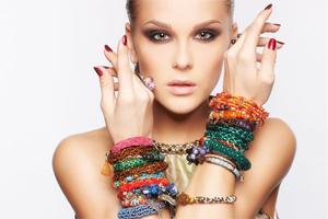 Элегантный браслет для женщины